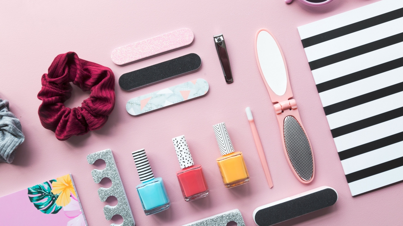 cosmetics-and-stationery-for-the-holiday